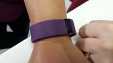 รีวิว Fitbit สายรัดข้อมือเพื่อสุขภาพ