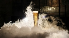 น้ำแข็งหลบไป Igloo Glass แก้วที่จะทำให้เบียร์เย็นตลอดเวลา