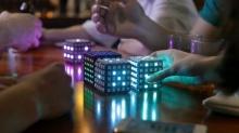 อยากลองเล่นไหม? เกมส์งู บนรูบิคไฟ LED