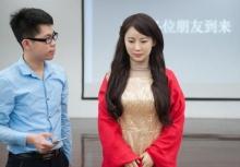 """""""เจียเจีย"""" หุ่นยนต์สาวสวยเหมือนจริง พูดได้เหมือนกับคนเป๊ะ!"""