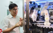 รพ.พุทธชินราช เปิดตัว หุ่นยนต์ผสมยารักษามะเร็ง ตัวแรกของไทย